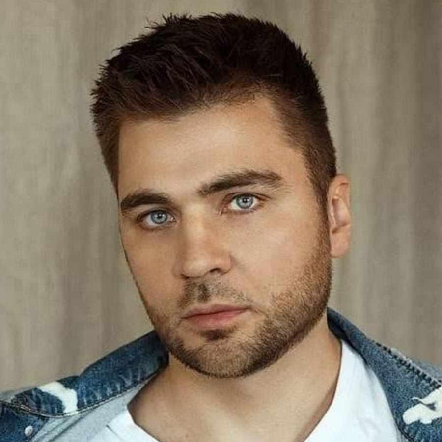 Лев Вожеватов