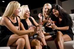 Советы подруг как преграда к созданию отношений с парнем