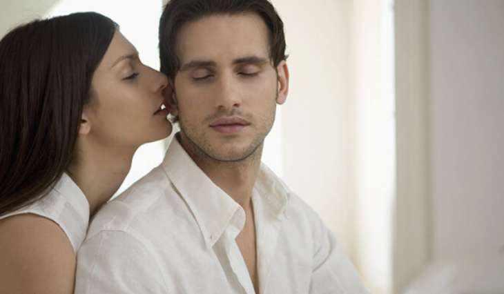 Что возбуждает мужчину в женщине больше всего. Факторы во внешности, фигуре, поведении и одежде.