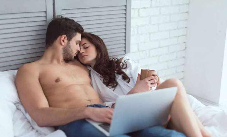 Что делать, если расстраиваешься, когда партнер смотрит порно