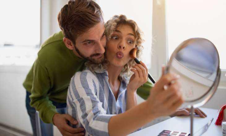 Графичные брови, 3D-наращивание и другие тренды, которые пугают мужчин