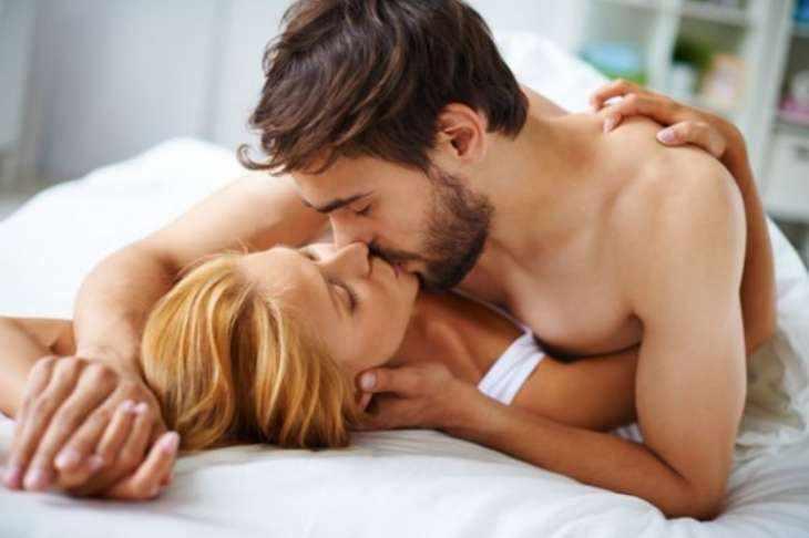 Почему девушки не сильно любят утренний секс, но всё равно занимаются им?