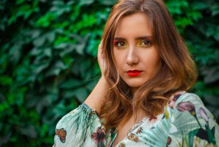 5 непривычных вещей, которые делает изменяющая женщина