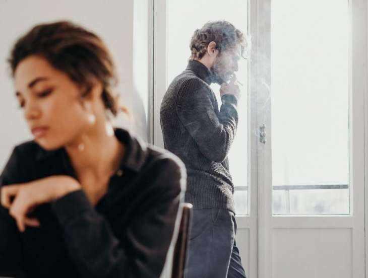 6 фраз, которые мужчине противно слышать от любимой женщины