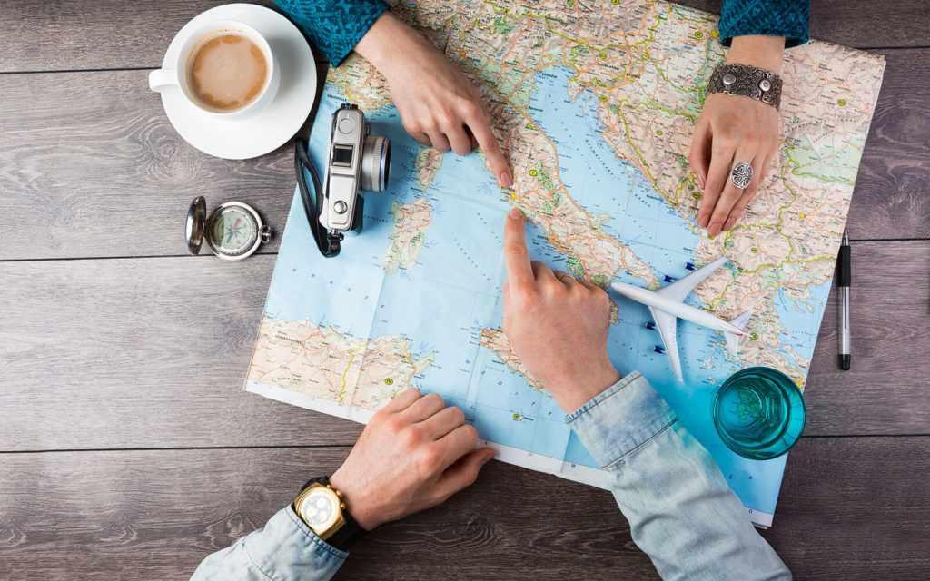 Путешествовать с девушкой