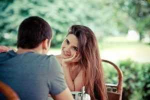 Поведение во время общения с партнером