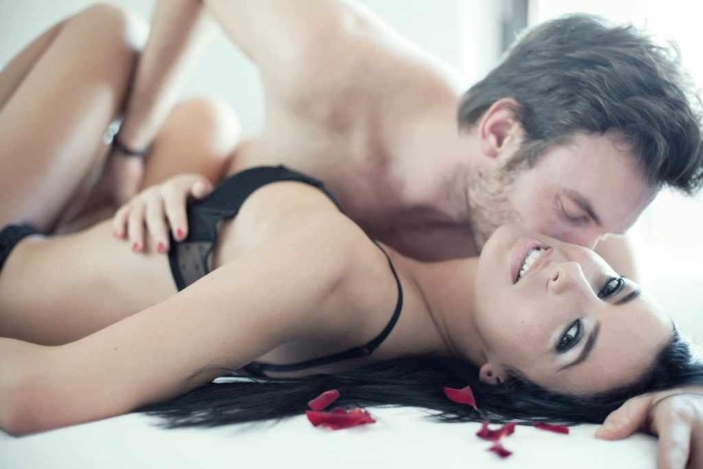 Мифы о влиянии интимных отношений на здоровье
