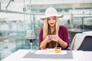 Знакомство с помощью СМС-сообщений