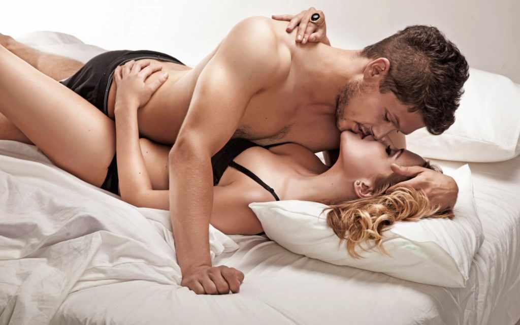 Женщина-Водолей и мужчина-Овен в интимных отношениях