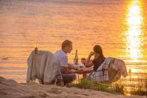 Романтическое свидание на берегу